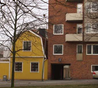 Liet hus o stort low 4579